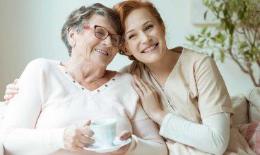 Decálogo para dar buen trato a las personas mayores