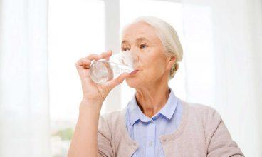 Importancia del agua en los mayores