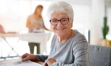 Los profesionales y el buen trato de las personas mayores en los medios de comunicación