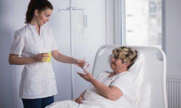 Cómo administrar la medicación a una persona mayor