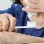 Cuidados de salud oral en los mayores