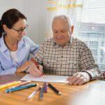 Terapeuta Ocupacional: ¿Quién es y cómo trabaja con las personas mayores?