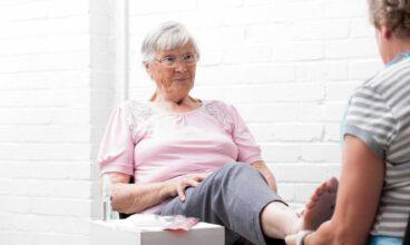 Consejos útiles para el cuidado de los pies en personas mayores