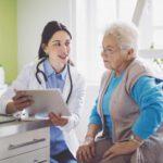 Centros residenciales. Valoración social de la persona mayor