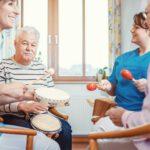 Musicoterapia como disciplina terapéutica para mejorar la vida de las personas mayores
