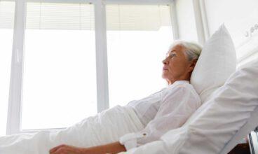 Sujeciones físicas en personas mayores: principales consecuencias de su uso