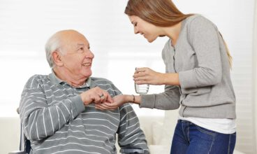 Administración de medicamentos orales a una persona dependiente