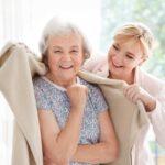 Cuidados básicos a la persona con demencia: Vestido y arreglo personal