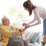 Los cuidados de una persona mayor: preguntas frecuentes